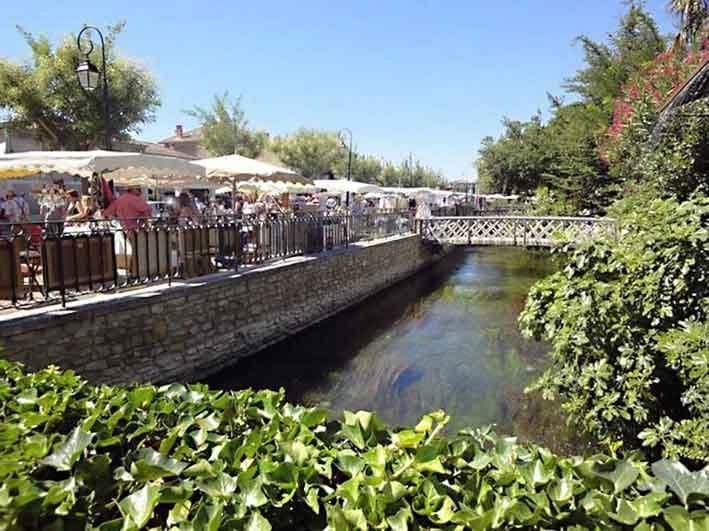 14-04-11-2136FM01B Provence flea market.jpg