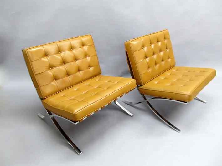 14 01 30 2126PV01C Barcelona Chairs